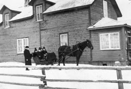 BONTINEN_Boarding_House_Wilhelm_and_horse___sleigh_.jpg